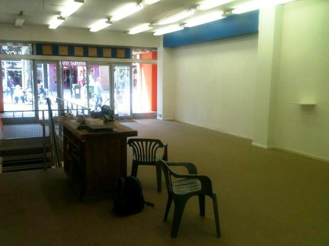 green festival shop empty