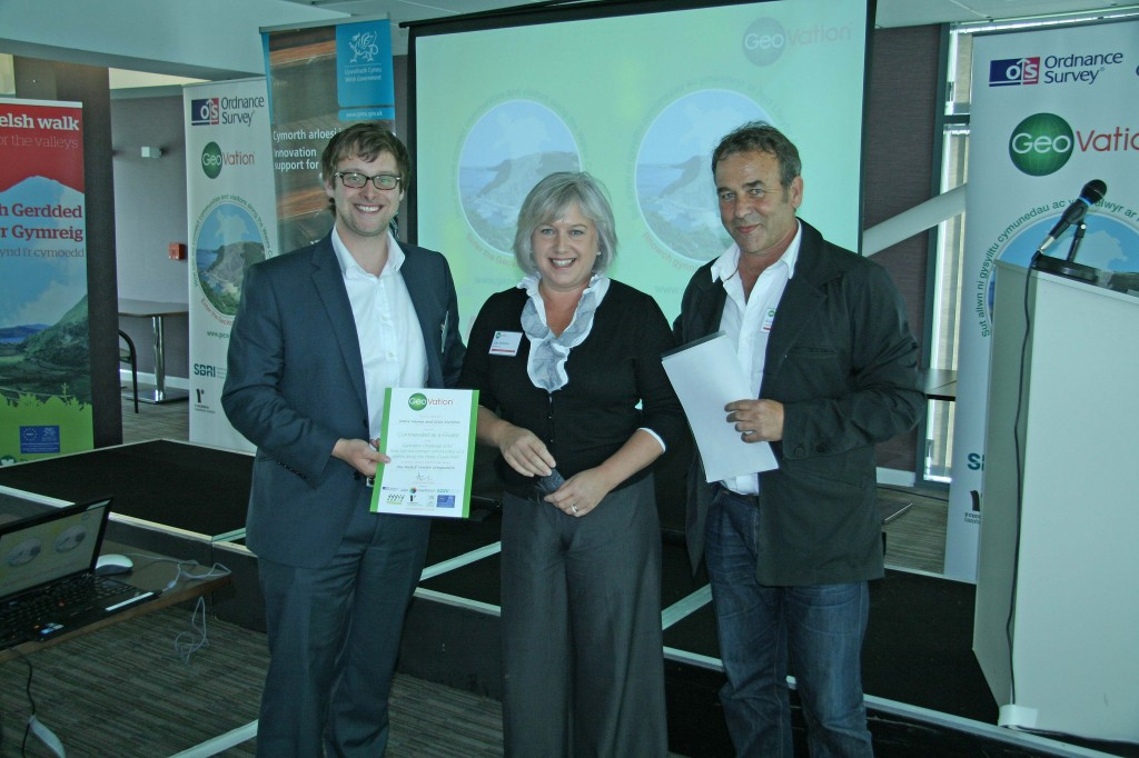 A photo of Perfect Visitor Companion receiving certificate